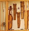 Stringed percussion instruments - Soinuenea.jpg