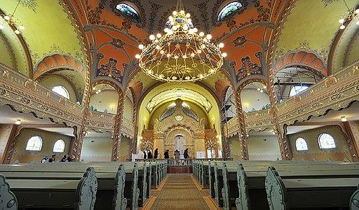 Subotica Synagogue, interior