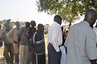 Abyei - Line for voter registration in Abyei, 2009
