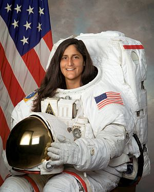 "Medal ""For Merit in Space Exploration"" - Image: Sunita Williams"