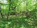 Třebotovský židovský hřbitov, zeď.jpg