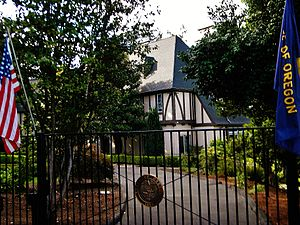 Mahonia Hall - Image: T. A. Livesley House 90000684 Marion County, OR