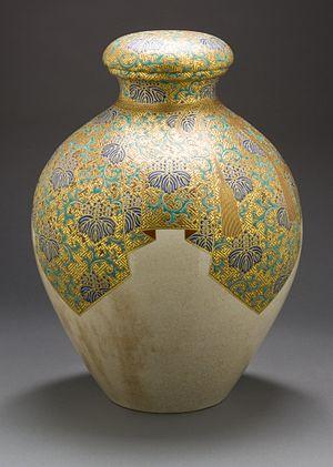 Satsuma ware - Satsuma earthenware tea storage jar (chatsubo) with paulownia and thunder pattern, late Edo period, circa 1800-1850