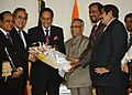 The Chairman of Jatiya Party, Bangladesh, Gen. HM Ershad along with a delegation calling on the President, Shri Pranab Mukherjee, at Dhaka, Bangladesh on March 04, 2013.jpg