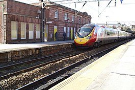 The London train passing through Edge Hill Station - geograph.org.uk - 1527481.jpg