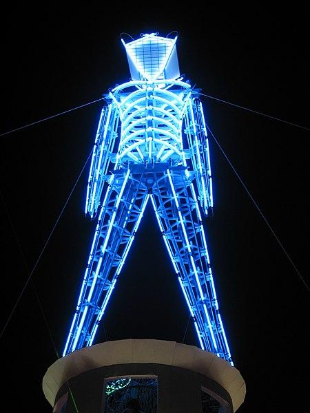 http://upload.wikimedia.org/wikipedia/commons/thumb/c/cb/The_Man_At_Night_Burning_Man_2002.jpg/450px-The_Man_At_Night_Burning_Man_2002.jpg