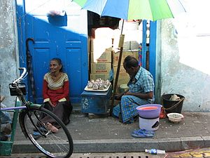 Economy of the Maldives - Old street sellers in Malé