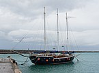 Three masts boat port Heraklion.jpg