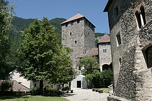 Tyrol Castle - Image: Tirol Schloss 03