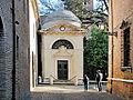 Tomba di Dante - Veduta frontale.jpg