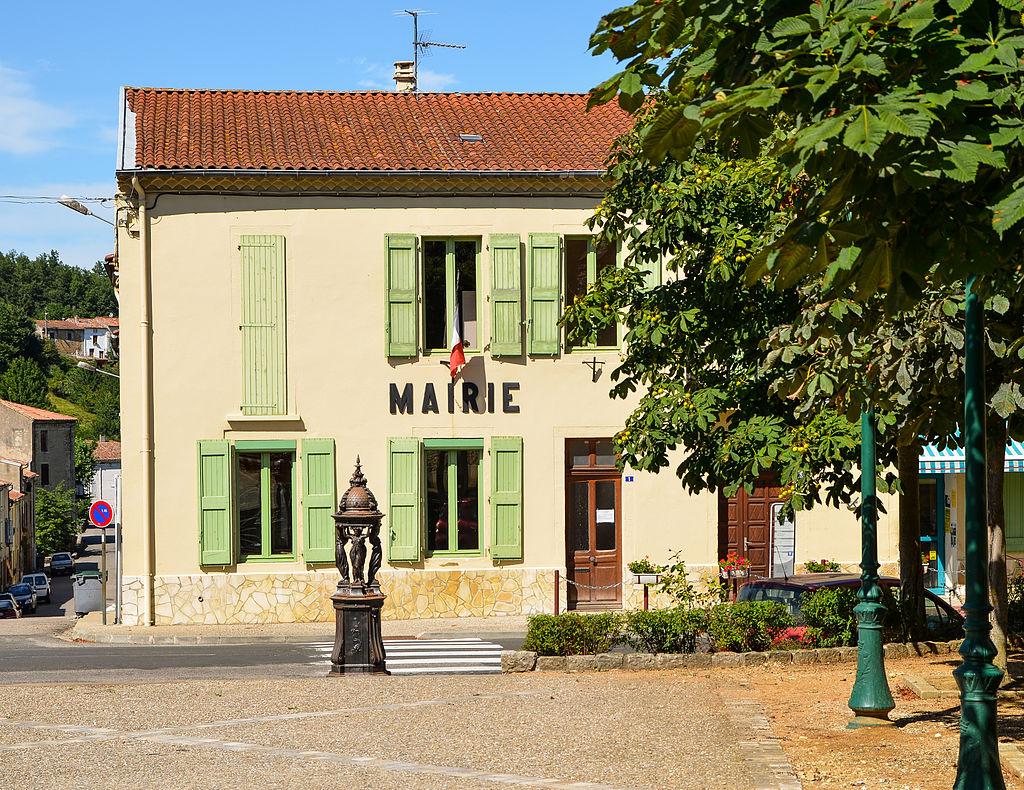 Town Hall Sainte Colombe sur l'Hers.jpg
