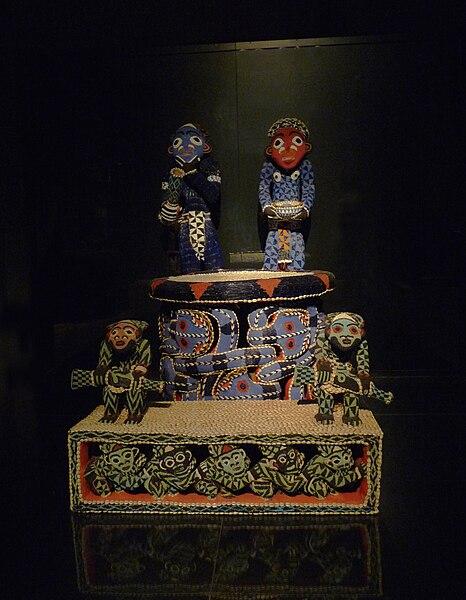 File:Trône Bamum-Musée ethnologique de Berlin.jpg