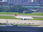 TransAsia Airways Airbus A321-131 B-22601 Depart from Taipei Songshan Airport 20120709.jpg