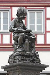 Treis, Heckedotzbrunnen - Skulptur (2019-09-22 Foto Spurzem).JPG