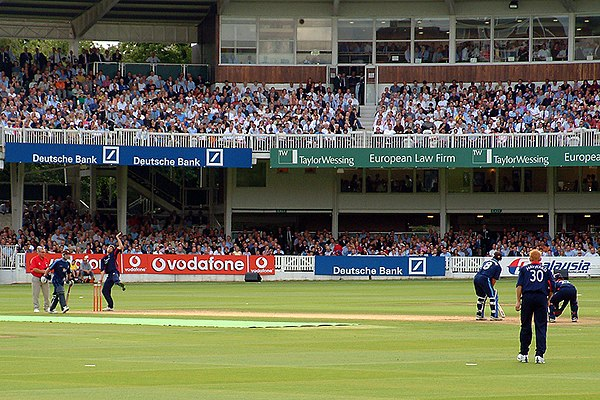 Middlesex playing against Surrey at Lord's, in front of a 28,000-strong crowd Twenty20 game.jpg
