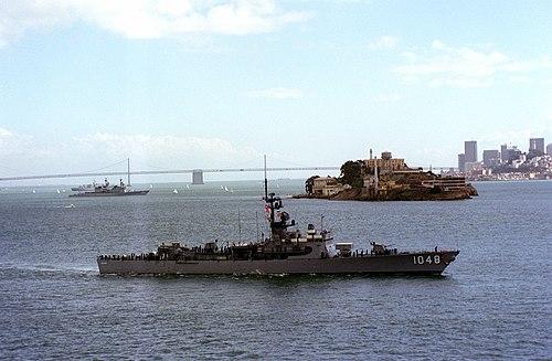 500px-USS_Sample_%28FF-1048%29_passes_Alcatraz_Island.jpg