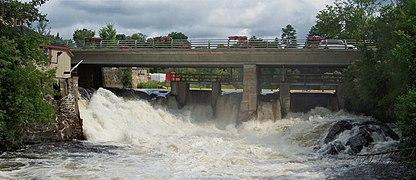 Upper Bracebridge Falls.jpg