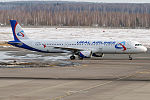 Ural Airlines, VQ-BOF, Airbus A321-211 (25566045330).jpg