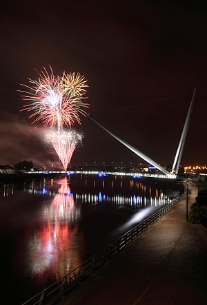Newport City footbridge - Image: Usk Bridge image 3