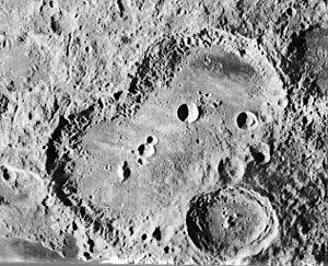 Van de Graaff (crater) - Image: Van de Graaff crater Birkeland crater 2033 med