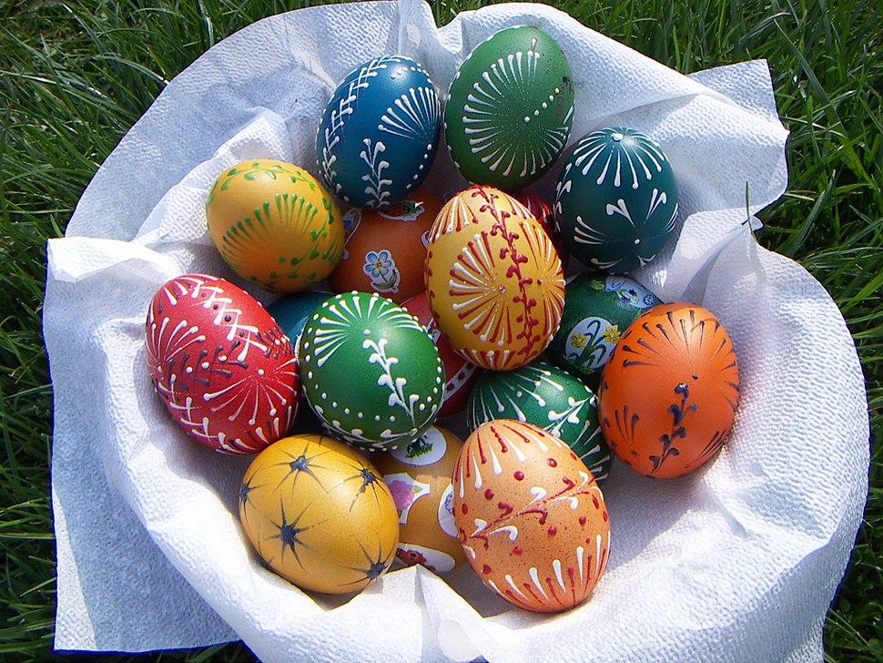 Velikonoční vajíčka malovaná voskem
