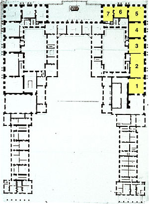 Grand appartement du roi - Plan of Versailles before the third building campaign, with the King's grand apartment in yellow