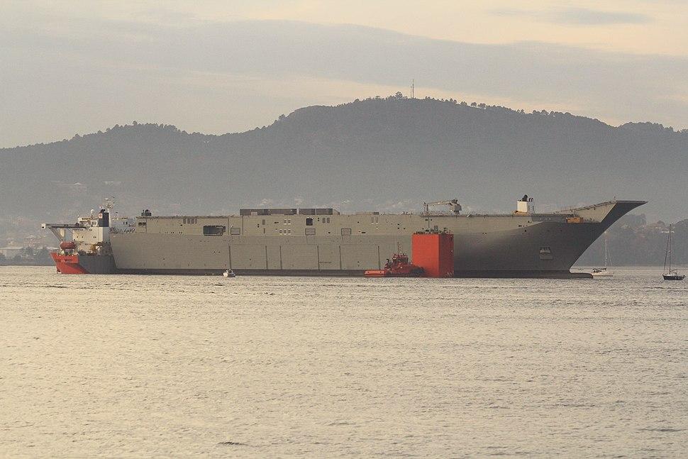 Vigo Embarque del portaaviones HMAS Adelaide en la plataforma Blue Marlin (11311950946)