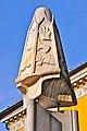 Villach Unterer Hauptplatz Pranger Hand abhacken 04022011 26.jpg