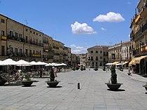Vista de la Plaza Mayor desde la Rúa del Sol.jpg