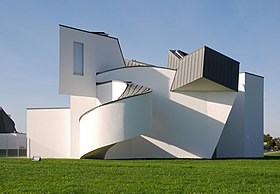 Le Vitra Design Museum (architecte Frank O. Gehry).