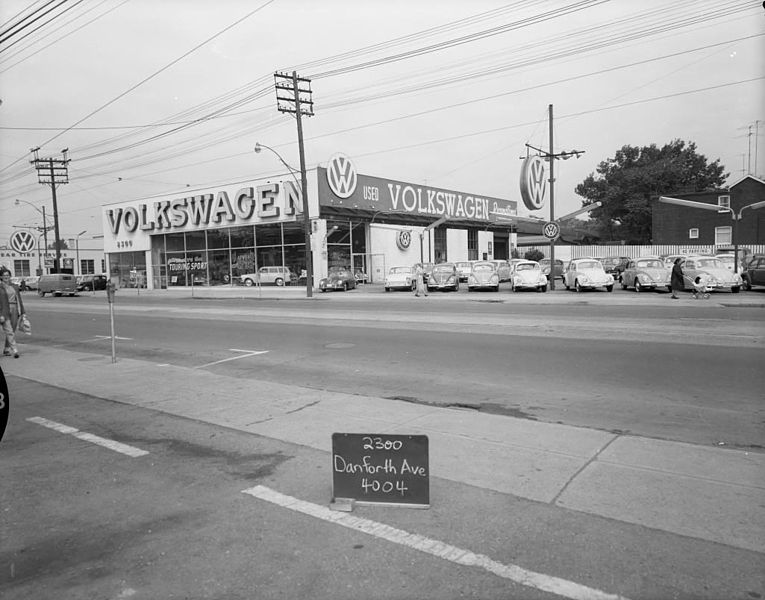 File Volkswagen Dealership Danforth Avenue Toronto Circa