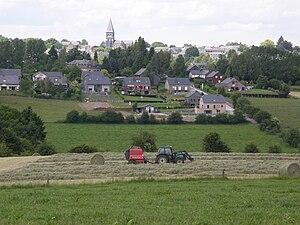 Bertrix - Image: Vue de Bertrix de la clairière P6140039