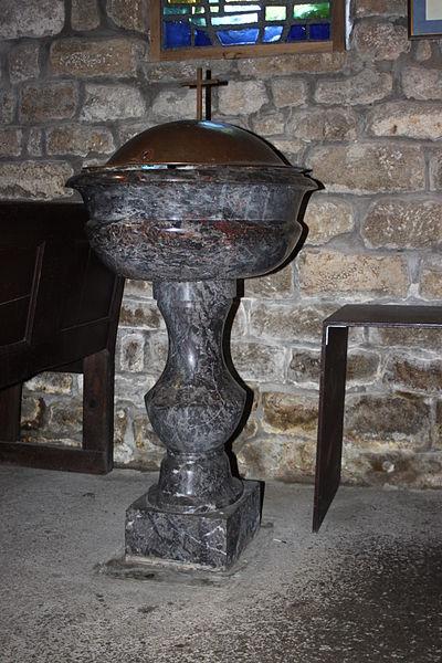 Fonts baptismaux, chapelle Saint-Philibert, dite Notre-Dame des Flux et Reflux ou Notre-Dame du Ster, Fr-56-Saint-Philibert.