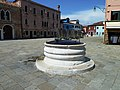 Well in Burano pza Galuppi.jpg