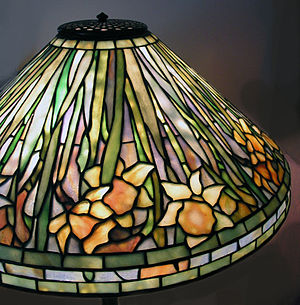 Louis Comfort Tiffany - Tiffany Studios Daffodil stained glass leaded lampshade, now known to be one of head designer Clara Driscoll's creations