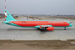 Airbus A321-200 der Windrose Airlines