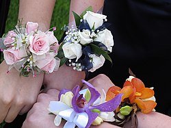 meaning of corsage