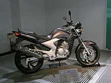 YAMAHA YS250 Fazer Yamaha Communication Plaza.jpg