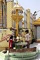 Yangon-Botataung-16-Wochentagsaltar-gje.jpg