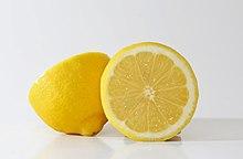 https://upload.wikimedia.org/wikipedia/commons/thumb/c/cb/Yellow_lemons.jpg/220px-Yellow_lemons.jpg