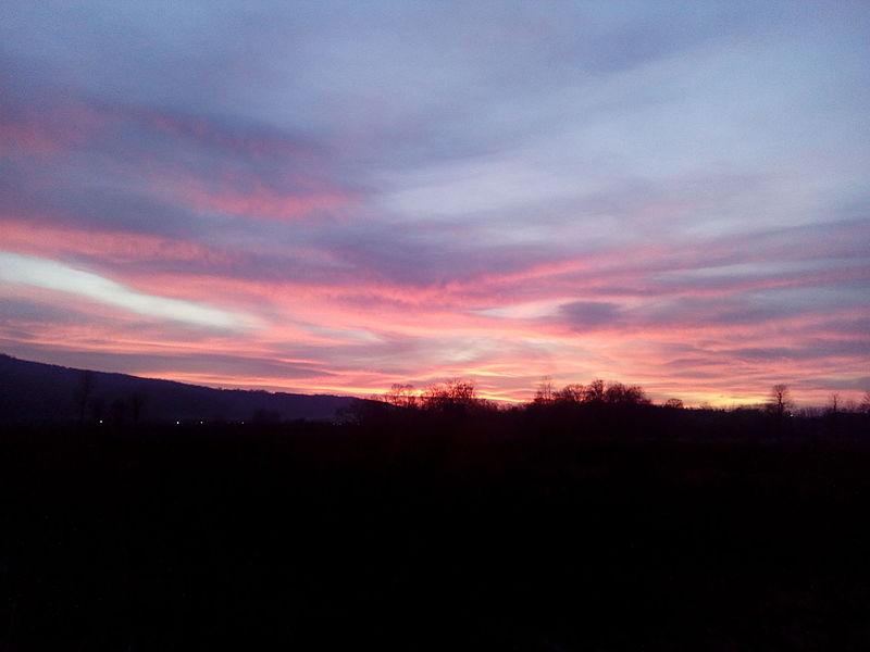 File:Zalazak sunca u Batočini.jpg