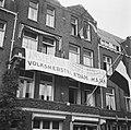 'Amsterdam helpt Arnhem' . HARK, Hulpactie Rode Kruis in Amsterdam. Mensen geven, Bestanddeelnr 900-6377.jpg