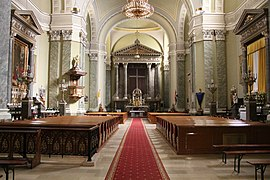 Ávilai Nagy Szent Teréz-plébániatemplom (756. számú műemlék), templombelső 2.jpg