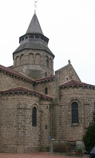 Fichier:Église romane d'Huriel.jpg