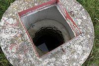 Šaratica vnitřek studny.jpg