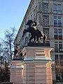 Пилоны ворот с конными скульптурными группами (2).jpg