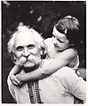 Писатель Игорь Шведов с внучкой Надюшей. Киев 1982 год.jpg