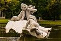 Фрагмент скульптуры «Тритон, спасающий детей».jpg
