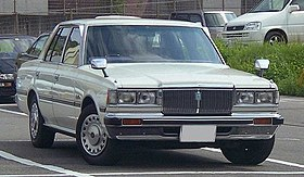 110 crown supersaloon.jpg