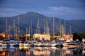 Blick auf die Pyrenäen von Saint Cyprien aus